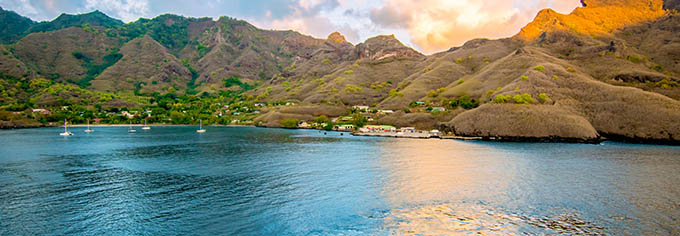 Combine 3 iles Polynesie Nuku Hiva description