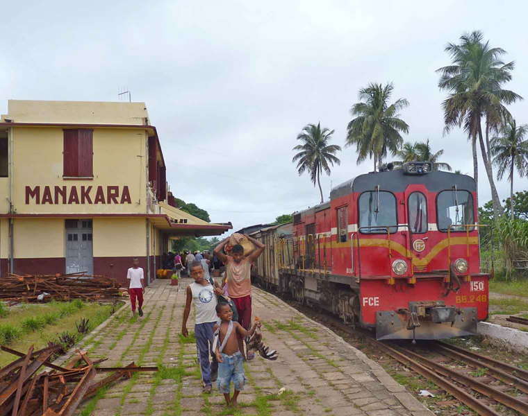 Route vers Manakara en train