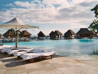 piscine du moorea pearl beach resort